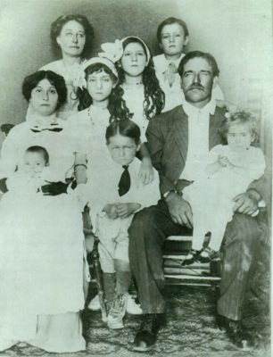 William Lowe Family